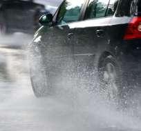 Las fuertes lluvias provocaron deslizamientos desde el sector de la Y de Palugo. Foto: Referencial