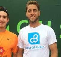 Roberto Quiroz (d) se proclamó campeón en dobles del Futuro 2 de Barranquilla.