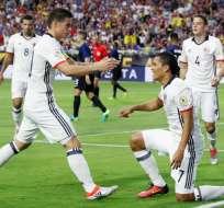 James Rodríguez y Carlos Bacca armaron la jugada para que este último marque el único gol del cotejo.