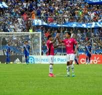 Independiente del Valle sorprendió a Emelec y l derrotó 2-1 en el Reales Tamarindos.