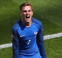 Antoine Griezmann marcó un doblete en tres minutos para darle la victoria a Francia sobre Irlanda.