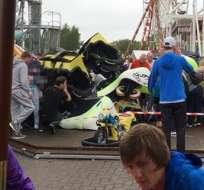 ESCOCIA.- Según la Policía local, el vagón descarrilado aterrizó sobre una atracción infantil. Foto: Redes sociales