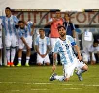 GUAYAQUIL, Ecuador.- En varios países es tendencia el pedido para que Messi no se retire de Argentina. Foto: EFE.
