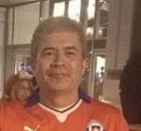 NUEVA YORK, Estados Unidos.- Vásquez mostrando su 'trofeo' de Copa América.