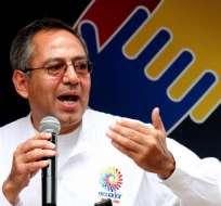 El ministro de Educación, Augusto Espinosa, en Machala, El Oro. Foto: Archivo de Presidencia