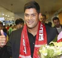 El brasileño Hulk llegó a China para sumarse a su nuevo club, el Shanghai SIPG.