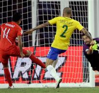 LIMA, Perú.- Ruidíaz marcando el gol que eliminó a Brasil.
