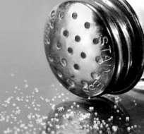 Los estados miembro de la OMS se comprometieron a reducir el consumo de sal mundial en un 30%.