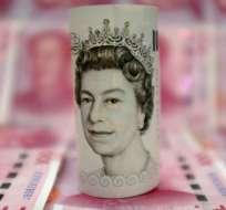 Una de las señales más contundentes de la preocupación en los mercados británicos ha sido el derrumbe, casi sin precedentes, de la libra esterlina en las primeras horas después del referendo.