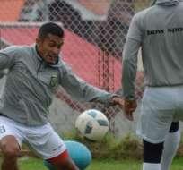 CUENCA, Ecuador.- Los jugadores del Cuenca entrenan con normalidad. Foto: API.