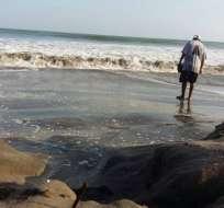 PLAYAS, Ecuador.- El Inocar había advertido de las condiciones de las olas, del 5 al 7 de junio. Foto de archivo del oleaje del 21 de junio de 2016