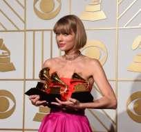 Taylor Swift, tras la entrega del Grammy en febrero de 2016. Foto: AFP