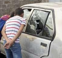 Partidarios de un opositor prisionero irrumpieron en una comisaría y atacaron a agentes. Foto: AFP