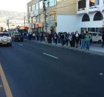 Los conductores de 11 federaciones de buses interparroquiales paralizaron actividades. Foto: Twitter