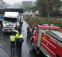 ECU911 informó de un choque entre un un camión - bombona y una motocicleta. Foto: ECU911