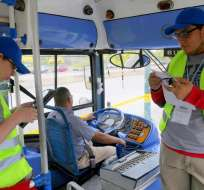 La Autoridad de Tránsito Municipal inició la revisión de buses previo al incremento de pasajes el 1 de agosto del 2016. Foto: API