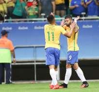 RÍO DE JANEIRO, Brasil.-Los Gabrieles, Gabriel Barbosa 'Gabigol', con un doblete a los 26 y 81 minutos, Gabriel Jesús (40) y Luan (50) marcaron los goles. Foto: EFE.