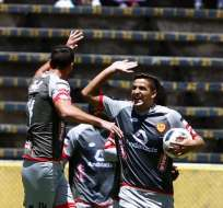QUITO, Ecuador.- Martín Bonjour igualó el partido para el Aucas. Foto: API.