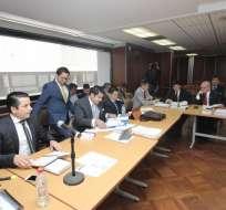 QUITO, Ecuador.- El juez abrió instrucción por 90 días contra 13 uniformados vinculados con revuelta policial. Foto: API