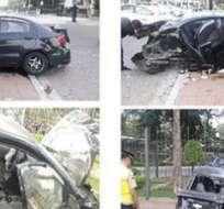 El vehículo, en el que se encontraban dos ciudadanas colombianas, se accidentó en la avenida Víctor Emilio Estrada y Circunvalación norte.