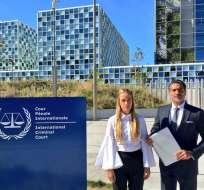 Lilian Tintori junto al abogado Juan Carlos Gutiérrez. Foto: @liliantintori