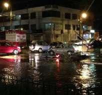 LOJA.- El ECU 911 reportó inundaciones en barrios de la capital lojana y caída de semáforos. Foto: Twitter