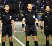 Carlos Orbe (c.) insultó a Jonatan Álvez durante el partido entre Barcelona e Independiente del Valle. Foto: Archivo
