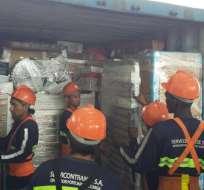 En segunda fase la aduana devolverá paquetes que entraron como encomiendas. Foto: @FiscaliaEcuador