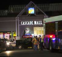WASHINGTON, EE.UU.- Cinco personas murieron en el tiroteo del centro comercial Cascade Mall de Burlington. Foto: AFP