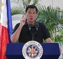 El presidente de Filipinas, RodrigoDuterte, en el aeropuerto de Davao. Foto: AFP