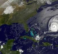 Científicos del NHC prevén un fortalecimiento adicional de Nicole en las próximas horas. Foto: AFP