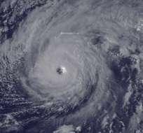 Los meteorólogos advirtieron que azotará fuertes vientos de huracán durante su salida.