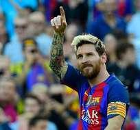 Tras casi un mes de para, el argentino Lionel Messi regresa a las canchas y anota un gol.