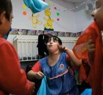 Noelia Garella tiene 31 años de edad y cuatro como docente en una ciudad de Argentina. Foto: AFP