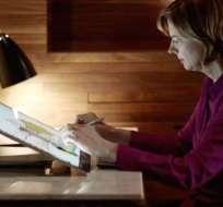 La Surface Studio de Microsoft es una computadora que presume tener características que las Mac no tienen. Foto: BBC Mundo