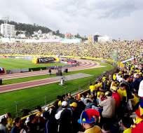 Deportivo Quito nuevamente reclama a la FEF por publicidad en el Atahualpa.