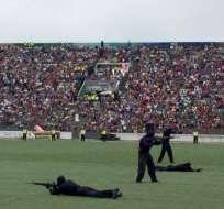 La menor murió por un disparo mientras veía demostración de tiro de agentes. Foto: Archivo / Policía