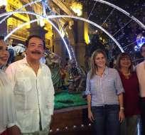 Más de 50 mil luces led iluminan la Plaza de la Administración. Foto: Guayaqul es mi destino