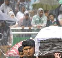 El funeral masivo se realiza en el estadio Arena Condá de Chapecó. Foto: EFE