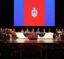 QUITO, Ecuador.- La sesión solemne por los 482 años de Fundación de Quito se dividió entre las condecoraciones y los discursos de Correa y Rodas. Foto: Flickr Presidencia.