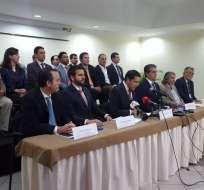 Representantes del Comité Empresarial Ecuatoriano hablan a la prensa en Guayaquil. Foto: @lacamaragye