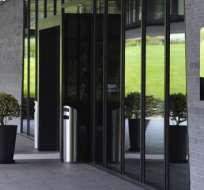 La FIFA sancionó a Wolfgang Niersbach, expresidente de la Federación Alemana de Fútbol, con un año de suspensión.