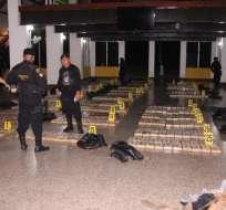 CIUDAD DE GUATEMALA, Guatemala.- Los ciudadanos transportaban la droga en la embarcación ecuatoriana 'Esperanza'. Foto: Twitter PNC Guatemala.