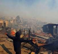 El fuego ha arrasado más de 200 hectáreas de pastizales, matorrales y eucaliptos en los sectores de Laguna Verde y aledaños. Foto: EFE