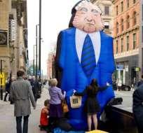 Los altos sueldos ejecutivos generan controversia en muchos países.