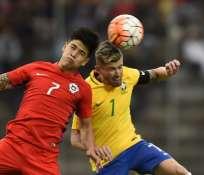 La selección chilena jugó con un futbolista menos desde el minuto 34. Foto: AFP
