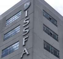 Vanessa Sandoval es la primera directora civil en ese cargo en el Issfa. Foto: Archivo