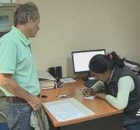 Médicos recomiendan a residentes de Costa y Sierra no realizar automedicación. Foto: Captura Video.