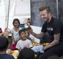 El inglés David Beckham rechazó las acusaciones en su contra respecto a un supuesto beneficio por labor humanitaria.