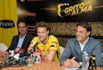 El vicepresidente deportivo (d.) quiere firmar un acuerdo con Rolando Zárate. Foto: API